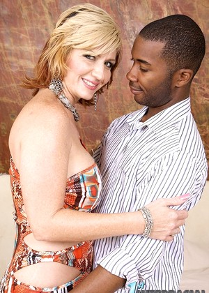 1stinterracial 1stinterracial Model Weapons Sperm Aun Fucked