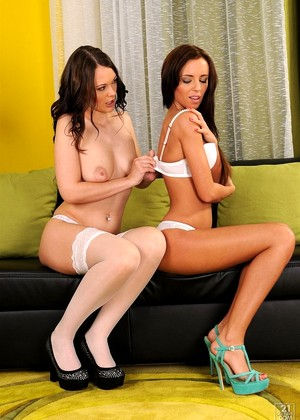 21sextury Gina Devine Barbie Brunette German