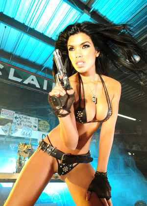 Actiongirls Suelyn Medeiros 3gpmp4 Action Girls Free Xxxphotos 2015americas