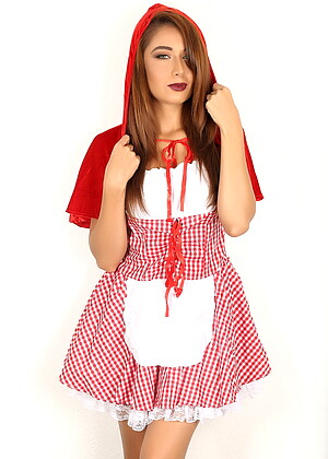 free sex photos Alluringvixens Lilly Exxxtra Skirt Paysites