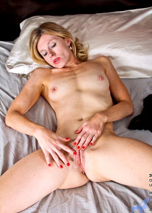 Anilos Anilos Model Little Mature Fuckporn