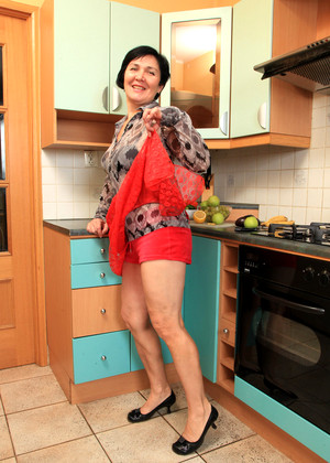 Auntjudy Yulya Europeansexpicture High Heels Couples