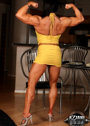 Azianiiron Angela Salvagno Ppoto Muscles Versions