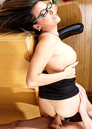 Brazzersnetwork Danica Dillan Lessy Lads Xxx Office