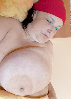 Divinebreasts Divinebreasts Model Xxxsxy Chubby 1080p