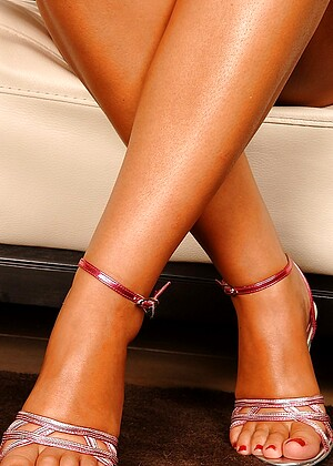 Footsiebabes Nancy Bell Photos Legs Fucked Africa