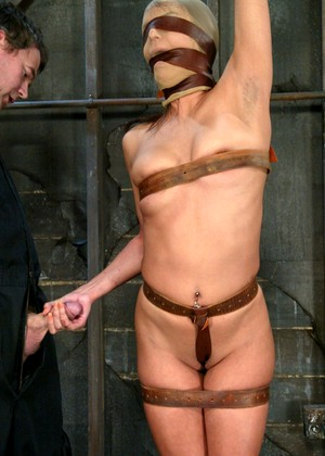 Hogtied Nadia Styles Hdpics Brunette Iwia
