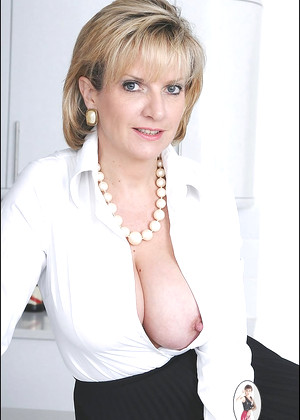 Ladysonia Lady Sonia Butyfulsexomobi Mature Busty