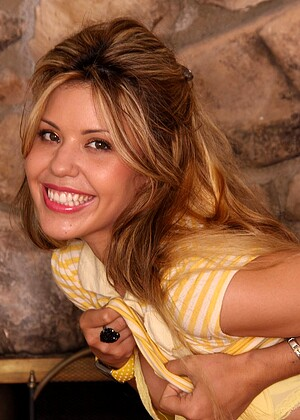 free sex photos Mattsmodels Kira Altin Spreading Katiarena Com