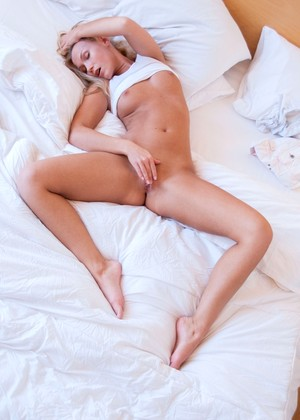 free sex photos Moreystudio Lizzy Merova From Softcore Night