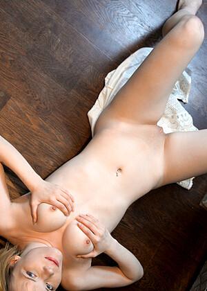 Nackt 10 Nude Pics