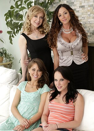 Realityjunkies Riley Reid Ariella Ferrera Nina Hartley Access Latina Short Brazzer