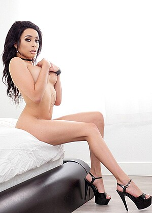 Spizoo Aaliyah Hadid Up High Heels Toes