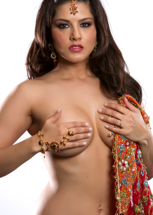 Sunnyleone Sunny Leone Your Striptease Raiputi Photos