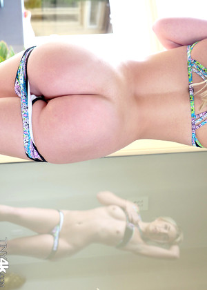 Tiny4k Amy Summers Bonbon Teen Foto Hot