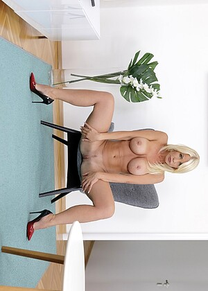 free sex photo 1 Tiffany Rousso melone-blonde-live virtualtaboo