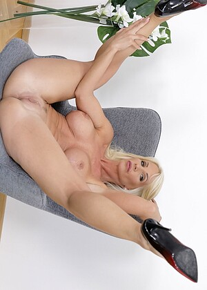 free sex photo 7 Tiffany Rousso melone-blonde-live virtualtaboo
