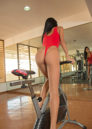 Watch4beauty Denisse Gomez Allure Spreading 3d