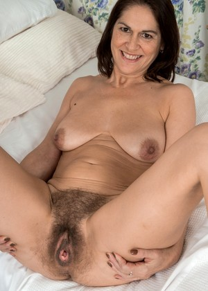 Wearehairy Kaysy Riding Close Up Xxxpixsex
