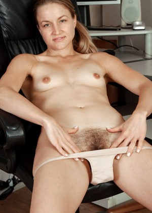 Wearehairy Wearehairy Model Out Closeup Unshaved Pussy Galeri 18