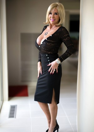 Wifeysworld Sandra Otterson Weekly Blonde Xxx Picture