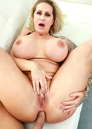 Xempire Ryan Conner Wiredpussy Big Tits Fully Clothed