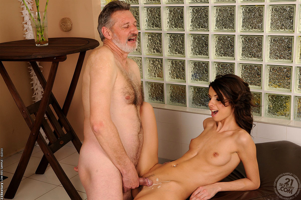 Ultraimages Legendary Connie Carter Easily Seduces The Lucky Guy Into Very Hot Sex