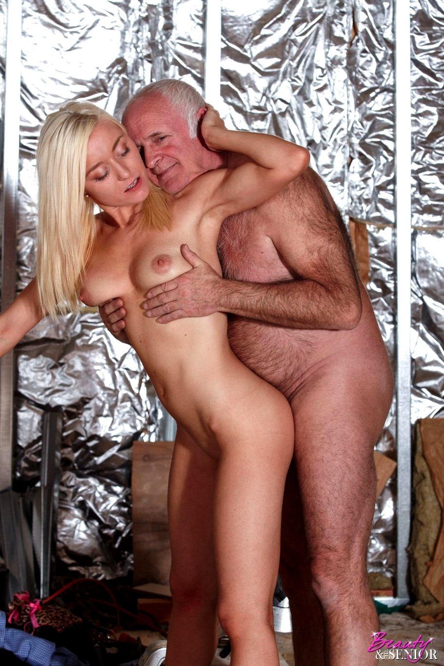 Beauty And The Senior Hd Porn Pics On Xcafe
