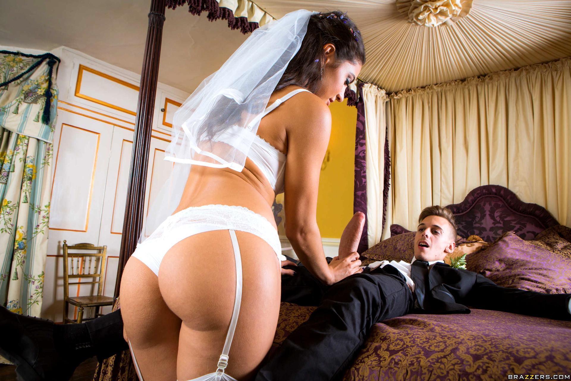 Romantik konulu gerçek porno film genç sex  Sürpriz Porno