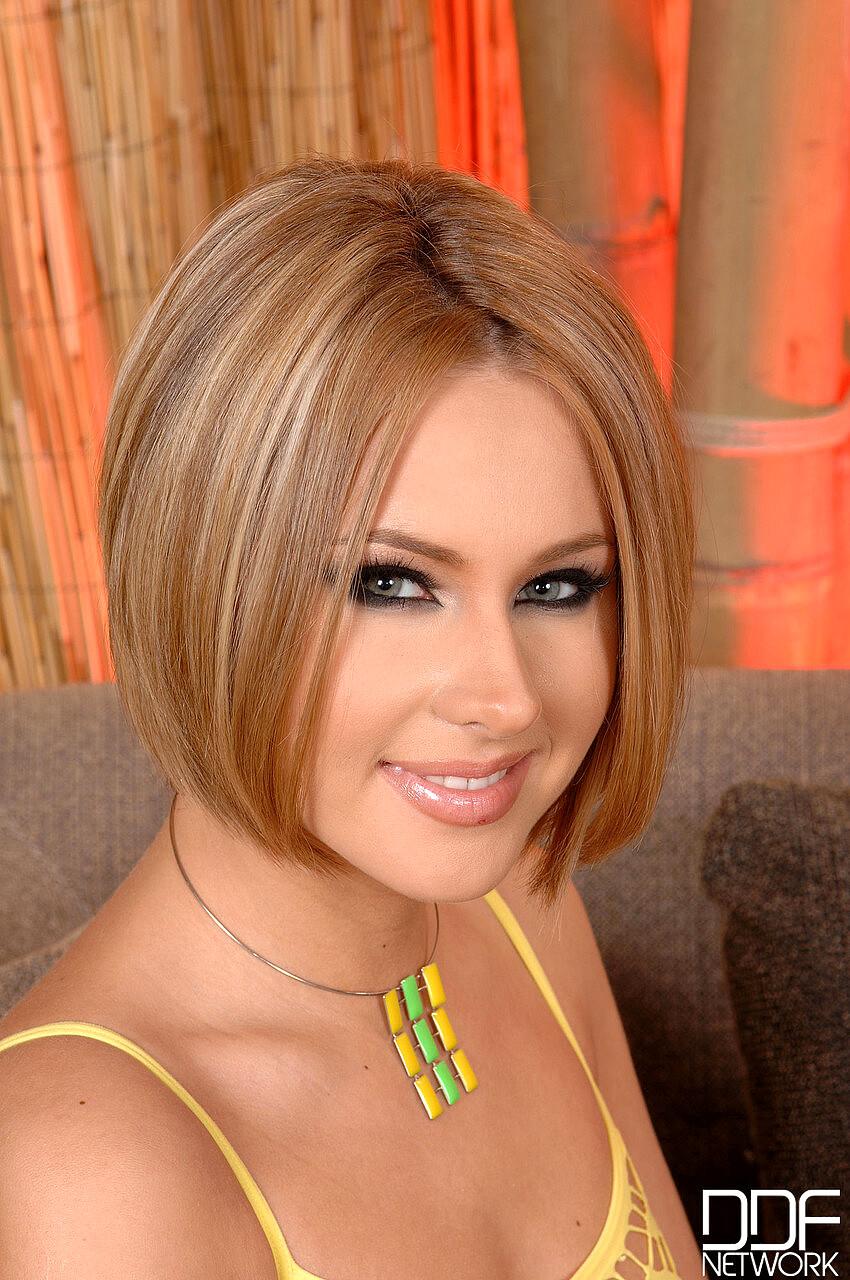 Free Sex Photos Euro Girls On Girls Mia Hilton Zuzana Z