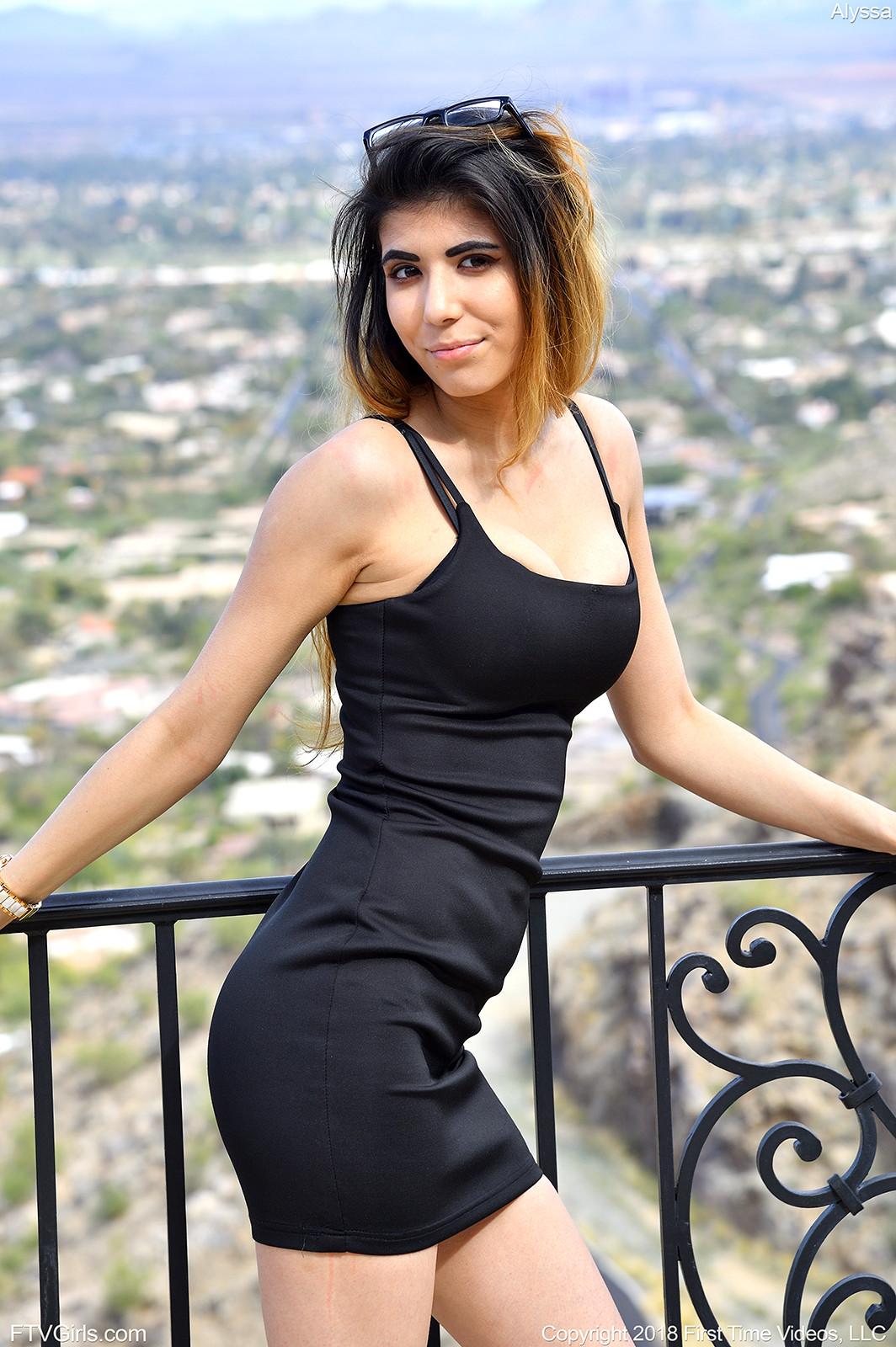 Sexy milf pussy photos