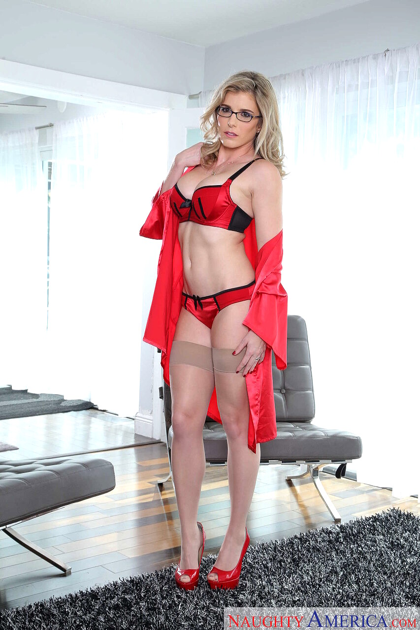 Cory chase housewife 1 on 1