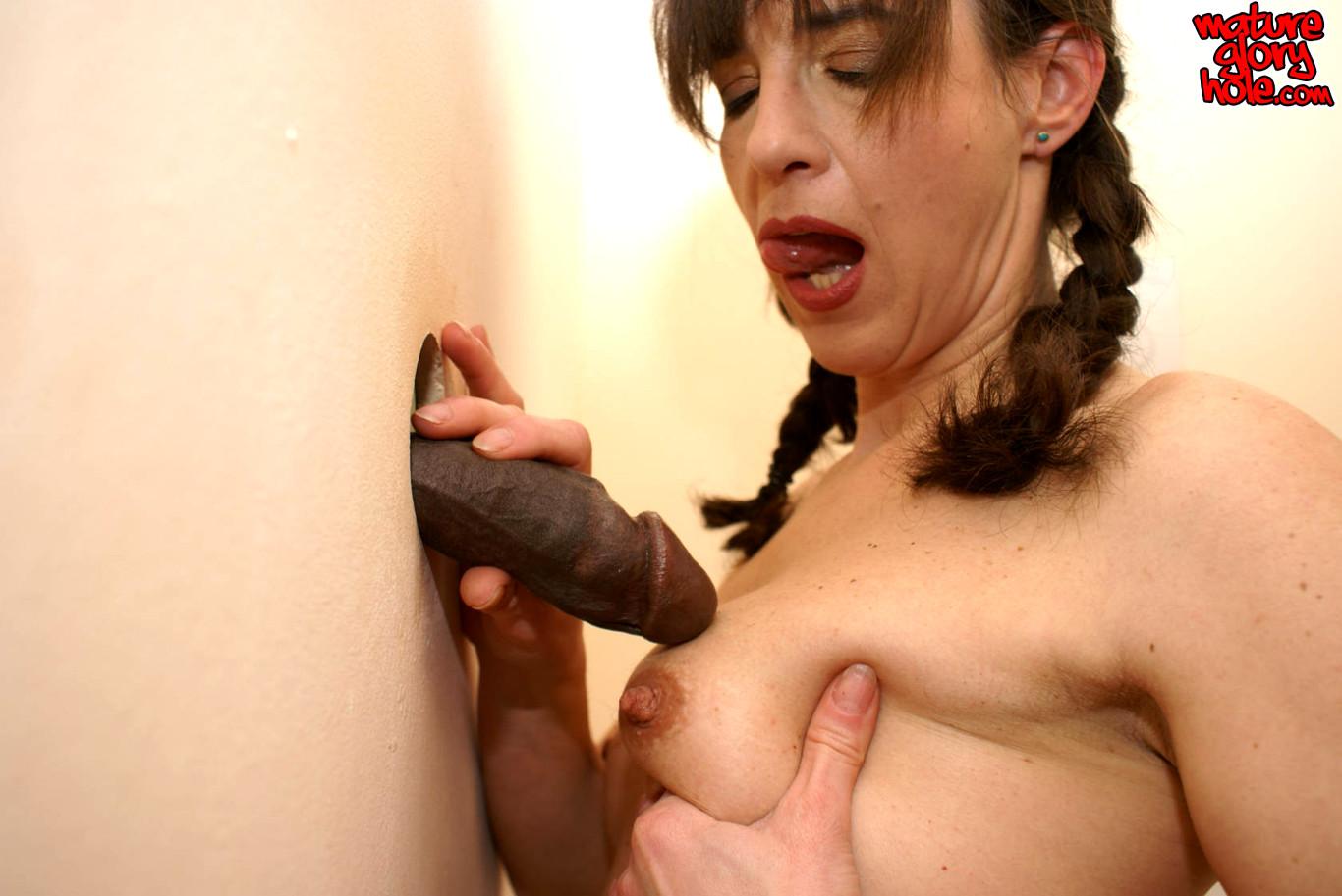 Mature gloryhole sex