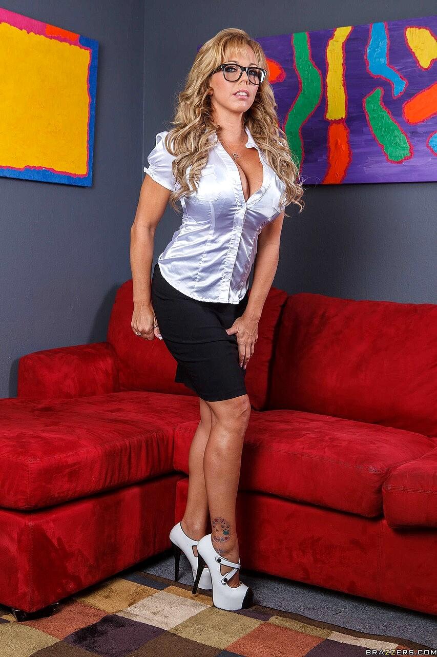 Free Sex Photos MILFs Like It Big Amber Lynn Bach Ddfsexhd