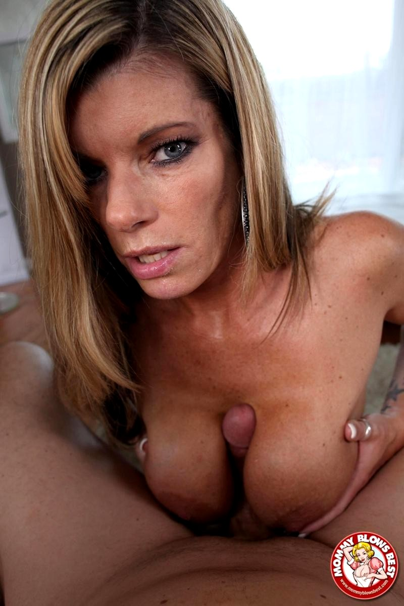 gif kristal summers gives blow job