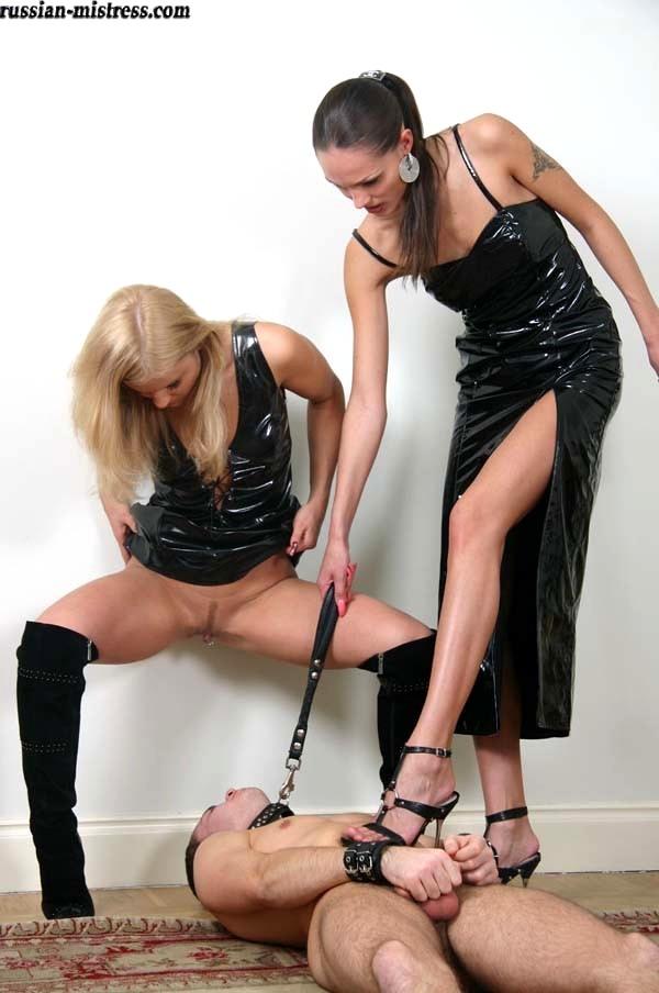 женское доминирование госпожа писает на раба сцену